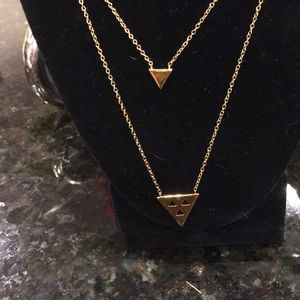 double necklace. Gold triangle accents y Gorjana
